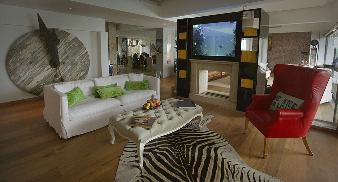 custom aquarum lounge 2